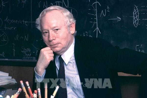 Giáo sư Steven Weinberg được trao Giải thưởng Đột phá Đặc biệt về Vật lý cơ bản