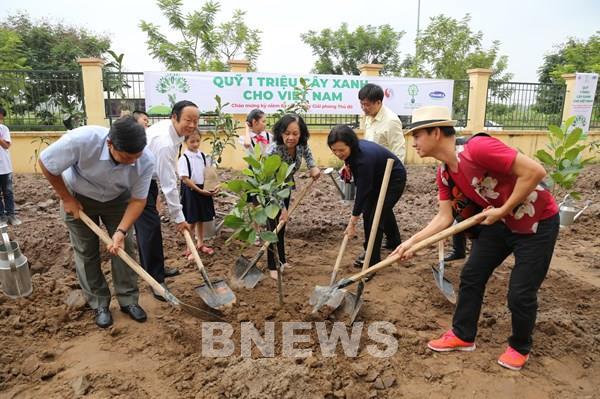 Vinamilk và Quỹ 1 triệu cây xanh cho Việt Nam tôn tạo cảnh quan nhiều địa danh lịch sử