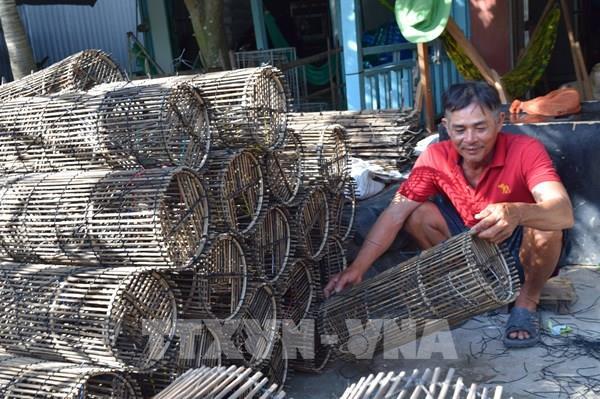 Thanh âm từ làng nghề lợp cua ở Đồng Tháp