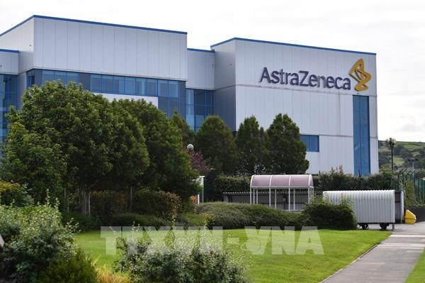 AstraZeneca nối lại thử nghiệm vaccine ngừa COVID-19