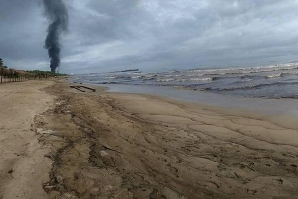 Venezuela xảy ra sự cố tràn dầu lớn trong bối cảnh thiếu nhiên liệu