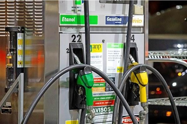 Brazil không áp thuế nhập khẩu ethanol từ Mỹ trong 90 ngày