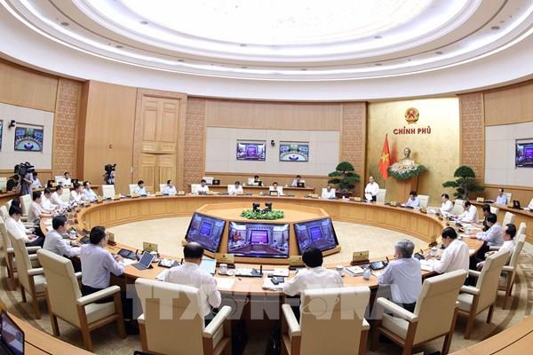 """Nghị quyết phiên họp Chính phủ thường kỳ tháng 8: Tập trung thực hiện """"mục tiêu kép"""""""