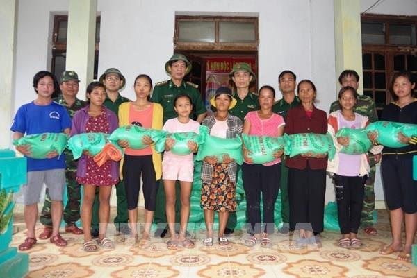 Quảng Bình cấp gạo hỗ trợ đồng bào dân tộc thiểu số bị cô lập do bão số 5