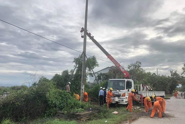 Sẽ khôi phục cấp điện thành phố Huế và tỉnh Quảng Trị trước 21 giờ ngày 18/9