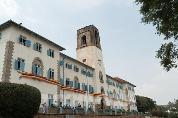 Cháy lớn tại trường đại học danh tiếng nhất ở Uganda