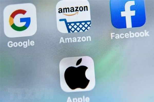 """Facebook và Apple ký thoả thuận không thu """"hoa hồng"""""""