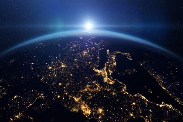 Nhật Bản có kế hoạch sử dụng năng lượng từ nước để thám hiểm Mặt Trăng