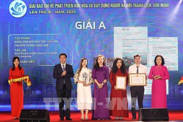 Thông tấn xã Việt Nam đoạt 6 giải tại 2 giải báo chí của Hà Nội