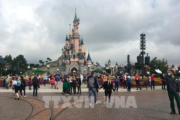 """Disney cắt 28.000 việc làm khi """"mảng"""" công viên giải trí vẫn phải đóng cửa"""