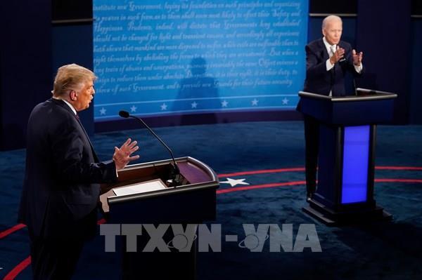 Hai ứng cử viên tổng thống Mỹ tranh luận về vấn đề Tòa án Tối cao và dịch COVID-19