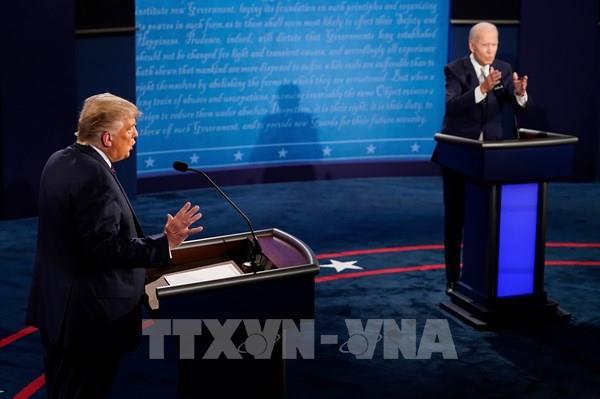 """Bầu cử Mỹ 2020: Màn """"so găng nảy lửa"""" giữa Donald Trump và Joe Biden"""
