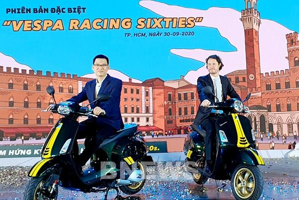 """Piaggio ra mắt bộ đôi phiên bản đặc biệt Vespa Sprint & GTS """"Racing Sixties"""""""