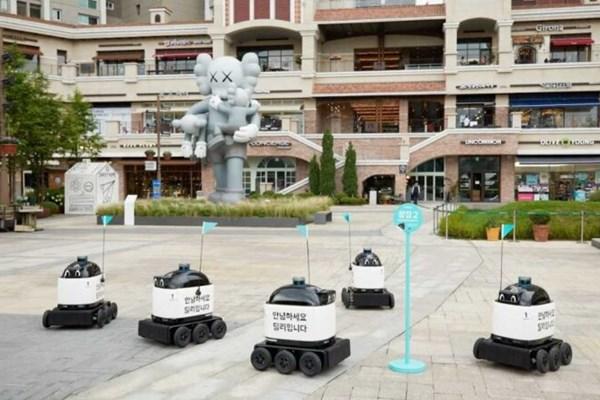 Hàn Quốc thử nghiệm người máy giao thức ăn trong nhà và ngoài trời