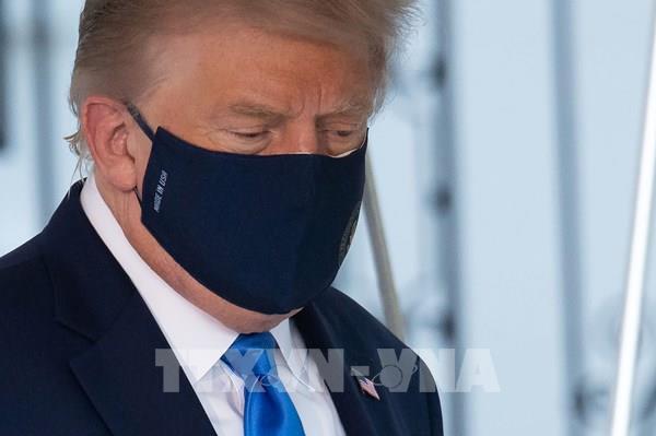 Tổng thống Mỹ D.Trump được đưa đến Trung tâm Y tế Quân đội
