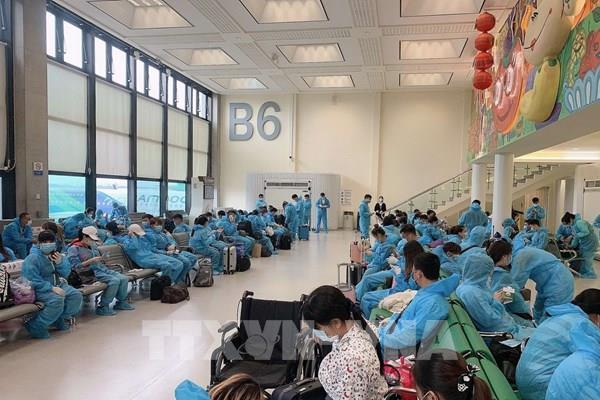 Dịch COVID -19: Đưa hơn 350công dân Việt Nam từ Đài Loan (Trung Quốc) về nước