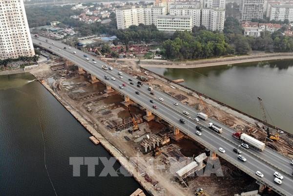 Hà Nội phân luồng phương tiện sau khi thông xe cầu vượt hồ Linh Đàm