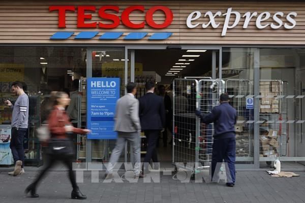 Lợi nhuận của Tesco tăng vọt nhờ nhu cầu mua hàng trực tuyến