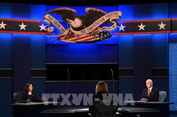 Dịch COVID-19 chi phối màn mở đầu cuộc tranh luận giữa hai ứng cử viên phó tổng thống