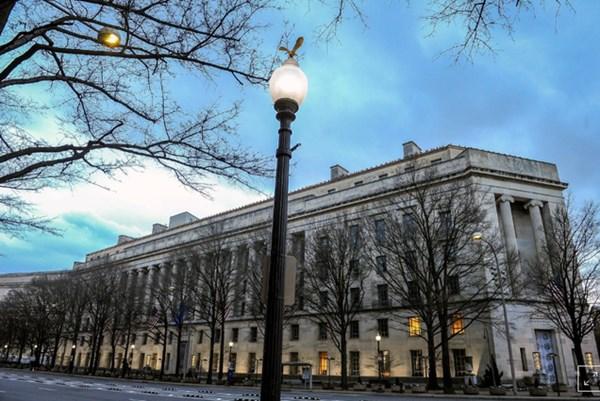 Bộ Tư pháp Mỹ nới lỏng quy định cấm công khai điều tra gian lận trước thềm bầu cử