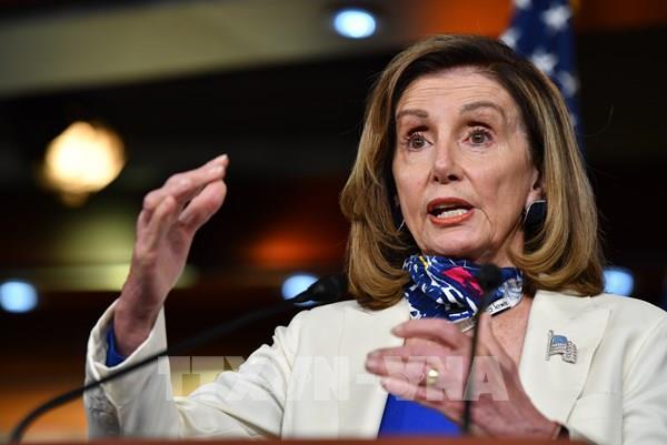 Mỹ: Đảng Dân chủ ra điều kiện để thông qua gói cứu trợ hàng không