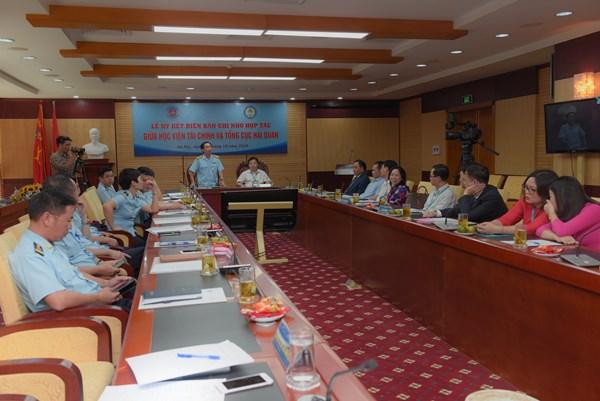 Hợp tác phát triển nguồn nhân lực hải quan và tài chính