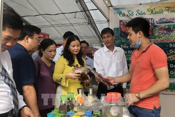 Tuổi trẻ Thủ đô đồng hành cùng hàng Việt Nam