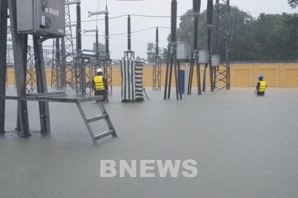 Truyền tải điện Thừa Thiên Huế căng mình ứng phó với mưa lũ kéo dài