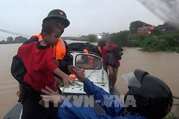 Quảng Trị có 4 người chết, 39.700 hộ bị ngập lụt do lũ lớn