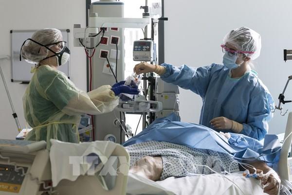 Tổng số ca tử vong vì COVID-19 vượt ngưỡng 1,1 triệu
