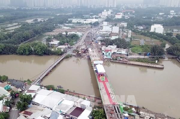Tp. Hồ Chí Minh hợp long cầu Phước Lộc sau 8 năm triển khai