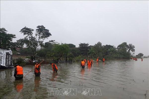 Bộ Giao thông Vận tải chỉ đạo khẩn ứng phó với mưa lũ và hoàn lưu bão số 6