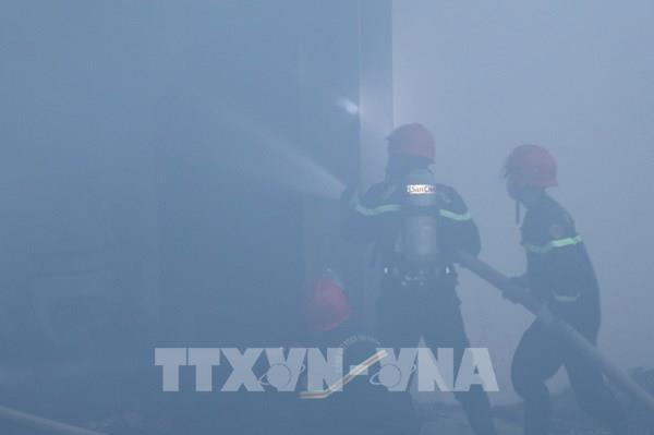 Khống chế đám cháy lớn tại Khu Công nghiệp Hòa Xá