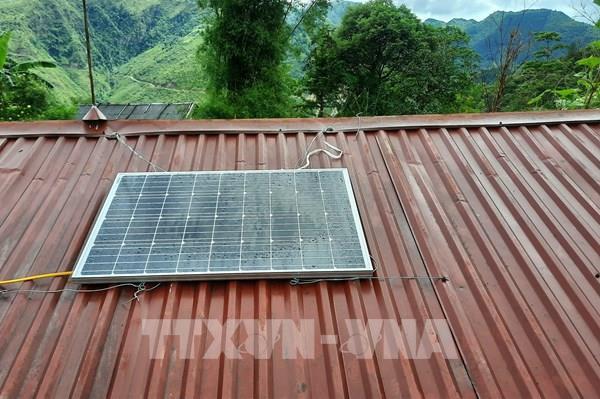 Thí điểm thắp sáng vùng cao Mù Cang Chải bằng năng lượng mặt trời