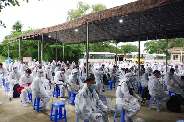 Việt Nam ghi nhận 3 ca mắc COVID-19 mới được cách ly ngay khi nhập cảnh