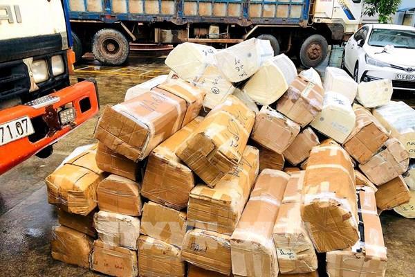 Bắt hơn 1.000 máy lạnh, hàng điện tử cũ nhập lậu từ Campuchia