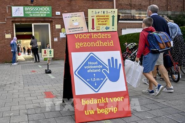 Bỉ ban bố lệnh giới nghiêm và các biện pháp phòng dịch COVID-19