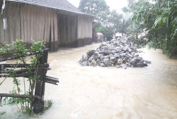 Dự báo thời tiết 3 ngày tới: Trung Bộ tiếp tục mưa to đến rất to