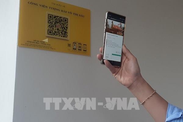 Hà Nội lắp đặt điểm quét mã QR cung cấp thông tin điểm du lịch