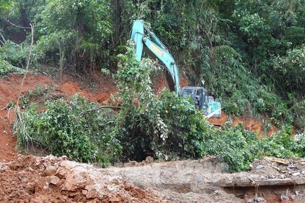 Tìm thấy 6 thi thể trong một gia đình bị vùi lấp do sạt lở núi ở Quảng Trị