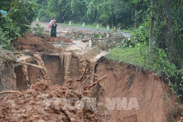 Cảnh báo lũ quét, sạt lở đất cấp độ 4 ở vùng núi từ Nghệ An đến Quảng Nam