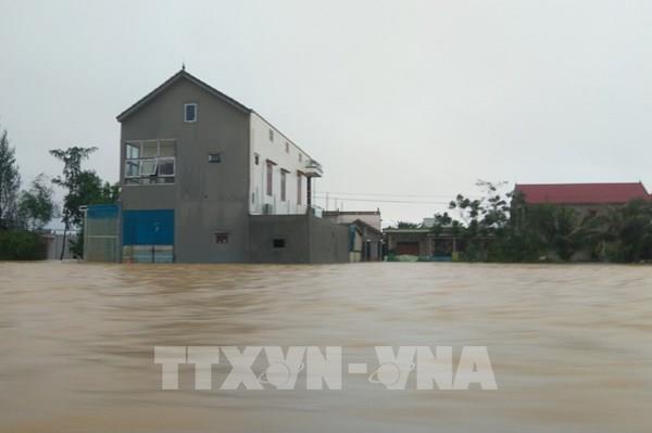 Hỗ trợ trên 19.200 hộ nghèo miền Trung xây dựng nhà ở phòng, tránh bão, lụt