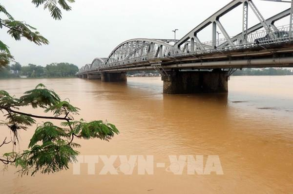 Lũ ở Hà Tĩnh, Quảng Bình, Thừa - Thiên Huế đang xuống, nguy cơ sạt lở đất vẫn cao
