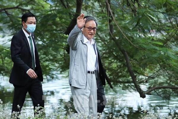 Thủ tướng Nhật Bản bắt đầu chuyến thăm Indonesia