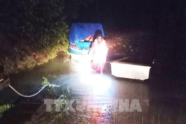 Quảng Bình: Mưa to kèm gió lạnh, một số vùng nước rút nhưng rất chậm