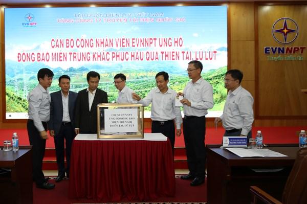 EVNNPT giúp nhân dân các tỉnh miền Trung khắc phục hậu quả thiên tai