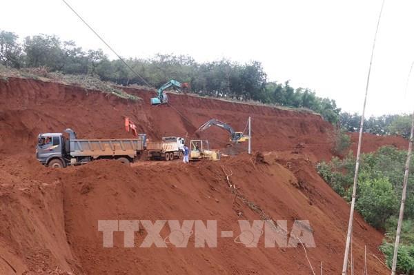 Khắc phục sạt lở tuyến đường độc đạo nối Bình Phước và Lâm Đồng