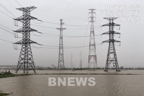 Kinh nghiệm trong ứng phó với bão lụt của Truyền tải điện Quảng Bình