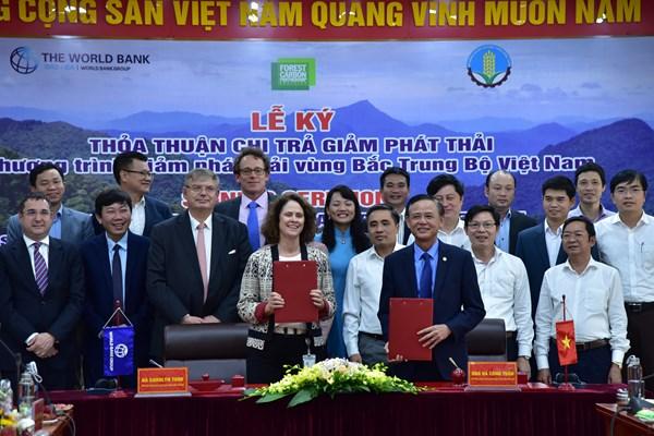 Việt Nam - WB ký kết Thỏa thuận Chi trả giảm phát thải vùng Bắc Trung Bộ
