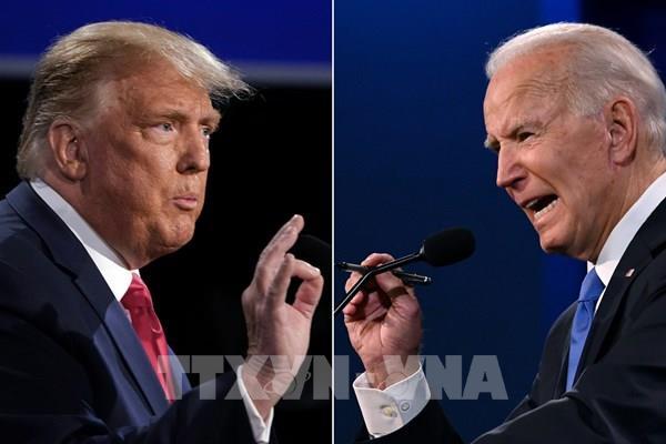 """Chủ đề dịch COVID-19 làm """"nóng"""" cuộc tranh luận giữa hai ứng cử viên tổng thống"""